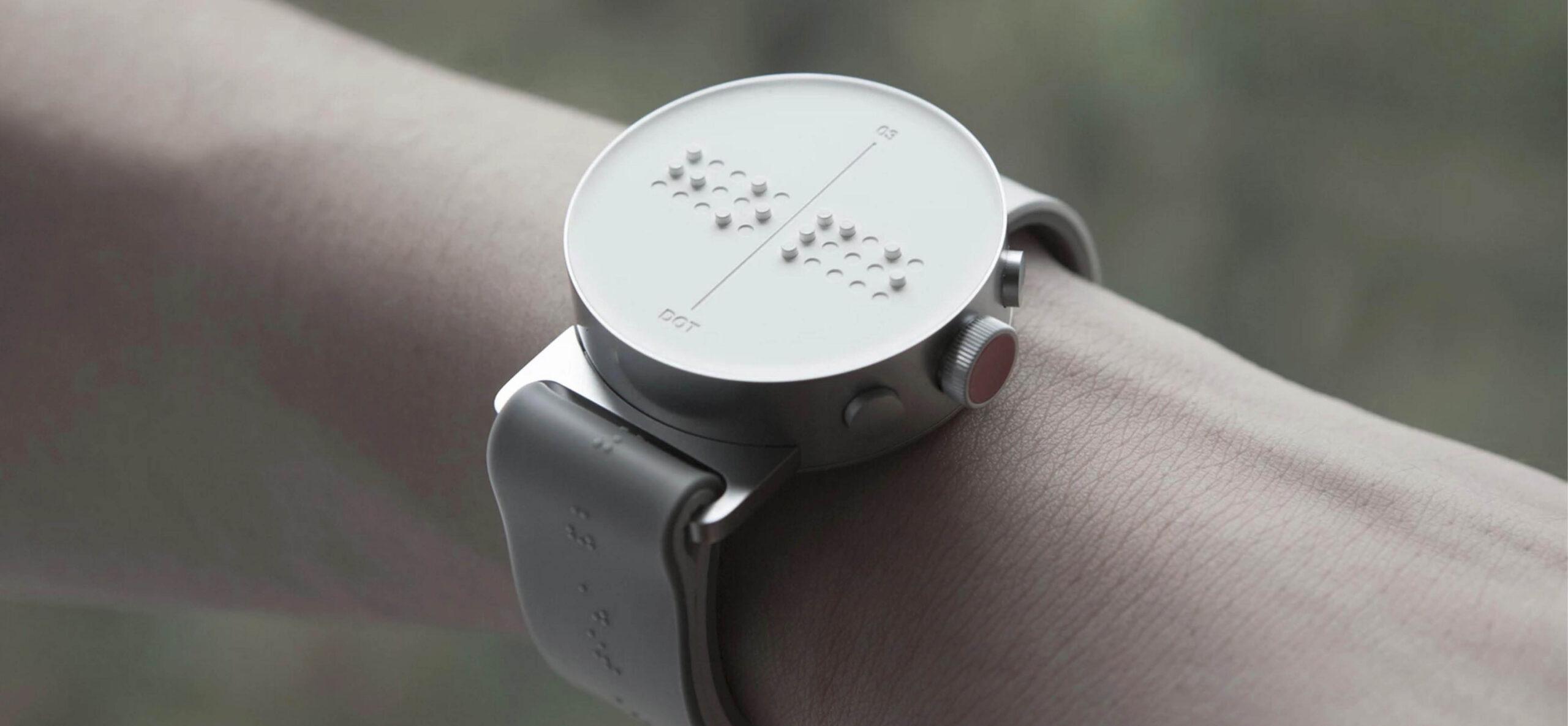 dot, lo smartwatch in Braille